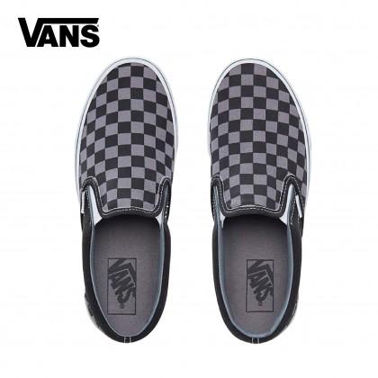 Vans UA Classic Slip-On Shoes (Black Checkerboard)